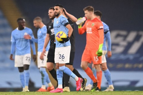 Manchester City vs Burnley: Riyad Mahrez Hattrick, City Permak Burnley!