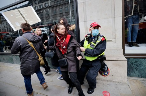 155 Orang Ditangkap dalam Demo Anti-Lockdown di London