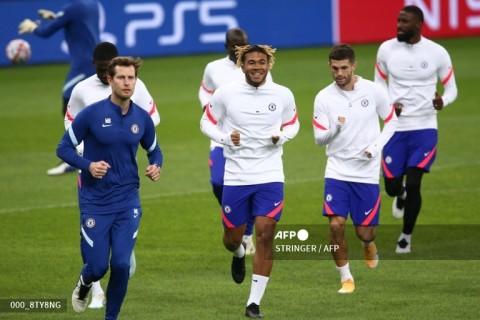 Jadwal Sepak Bola Nanti Malam: Chelsea Jamu Spurs, Roma Hadapi Napoli