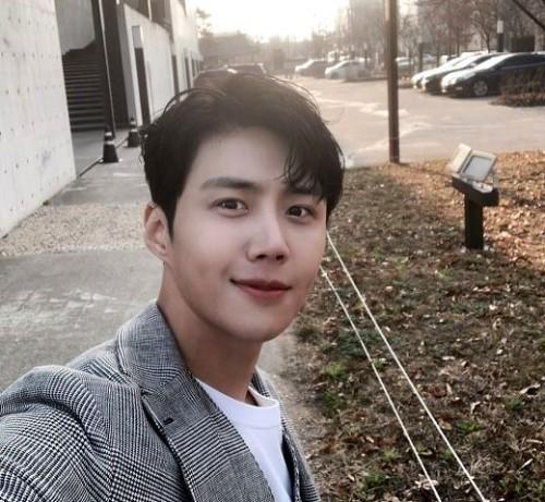 Bagaimana cerita tentang tentang lesung pipi dari pemain drakor Kim Seon Ho? Berikut kisahnya. (Foto: Dok. Instagram Kim Seon Ho/@seonho__kim)