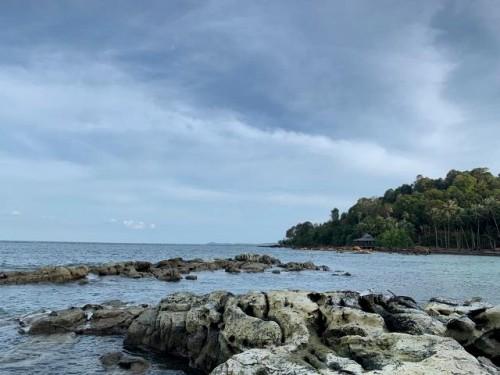 Pantai Benan memiliki banyak daya tarik yang bisa dieksplore pengunjung. Pantai bersih dan kehidupan bawah laut yang masih alami, menjadi incaran traveler untuk datang berkunjung. (Foto: Arthurio Oktavianus)