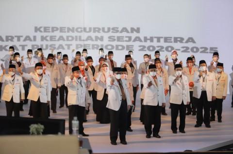 Legislator PKS Diminta Total Melayani Rakyat