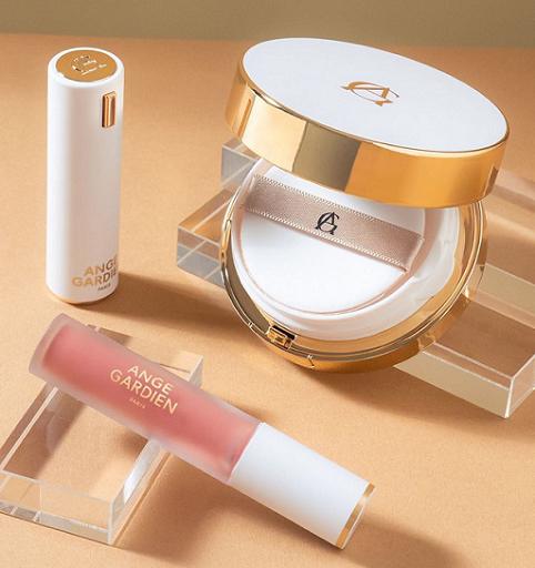 Brand ini membaurkan perpaduan warna dan estetika dengan bahan-bahan terbaik dan teknologi untuk menyehatkan kulit. (Foto: Dok. Angegardienparis)