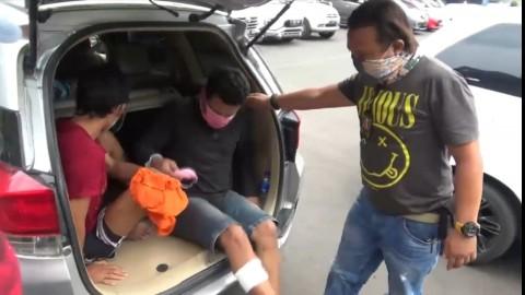 Dua Pencuri Bermodus Pecah Kaca Mobil Ditembak