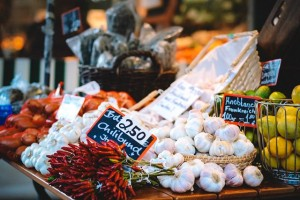 3 Berita Terpopuler Gaya: Bawang Putih dan Hubungannya untuk Turunkan Gula Darah Hingga Efek Masker Sekali Pakai yang Dicuci