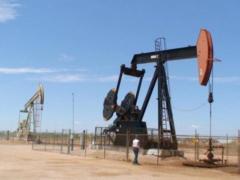 Minyak Dunia Tertekan, Investor Nantikan Hasil Pertemuan OPEC-Sekutu