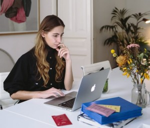 5 Tips Meningkatkan Karier Saat WFH