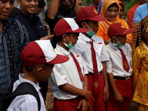 Jelang KBM Tatap Muka, Disdik Aceh Bagikan Masker ke Sekolah