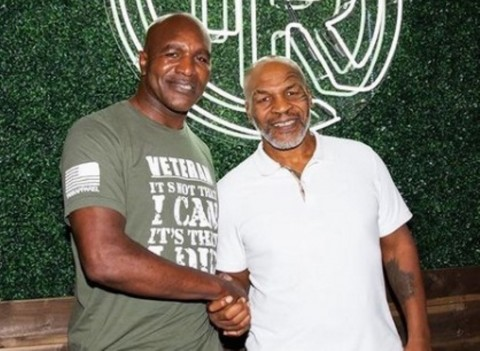 Holyfield kepada Mike Tyson: Cepat Teken Kontrak, Kita Duel Lagi!