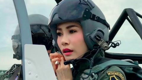 Foto Sensual Tersebar, Selir Raja Thailand Terancam Digulingkan Lagi