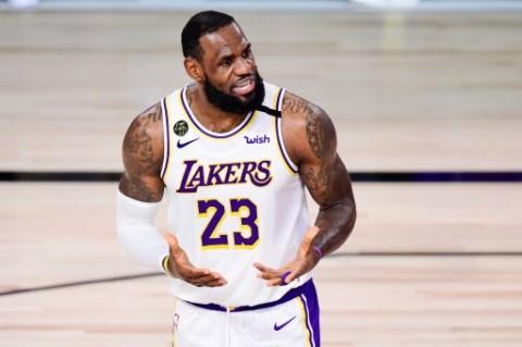 LeBron James Tambah Masa Bakti Bersama LA Lakers
