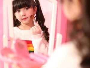 Manfaat Bermain Makeup untuk Pertumbuhan Motorik Anak