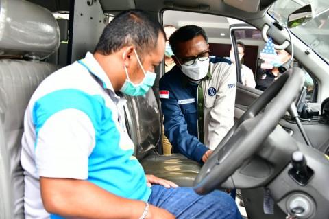 Pemprov Sulsel Bagi-bagi Ambulans ke Daerah Terpencil