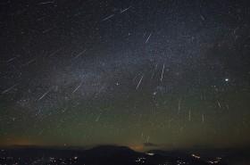 Langit Desember Dimeriahkan Berbagai Fenomena Alam