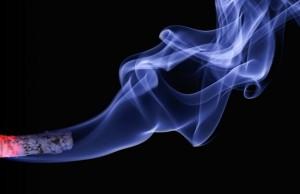 10 Dampak Mengerikan saat Menghirup Asap Rokok