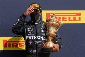 Nama Lewis Hamilton Diabadikan sebagai Sebutan Jalur Pit Sirkuit Silverstone
