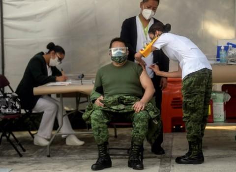 Meksiko dan Chile Suntik Vaksin Covid-19 Pertama di Amerika Latin