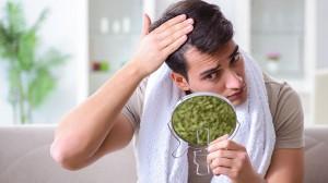 5 Penyebab Kerontokan Rambut pada Usia Muda