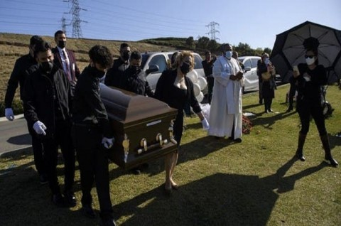 Rumah Pemakaman California Kewalahan Terima Pasien Covid-19