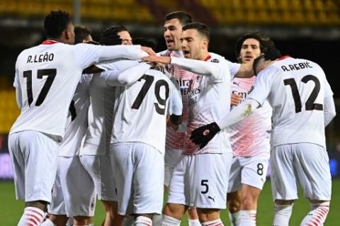 Benevento vs AC Milan: Rossoneri Kembali ke Puncak dengan 10 Pemain