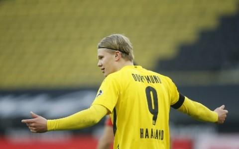 CEO Dortmund Berharap Haaland Tiru Jejak Robert Lewandowski