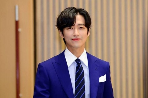 Namgoong Min Dedikasikan Kemenangan di SBS Drama Awards 2020 untuk Ibu