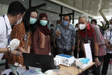 Jajal GeNose, Ganjar Pranowo Usulkan Indonesia Terapkan sebagai Alat Deteksi Covid-19