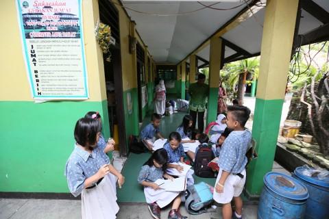 PSBB Jawa-Bali, Sekolah Kembali Digelar Daring