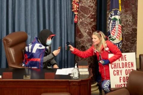 Rusuh di Gedung Kongres AS, Seorang Perempuan Meninggal