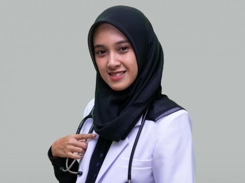 Kisah Kuliah Daring Risma, Lulusan Dokter Hewan Terbaik Unair