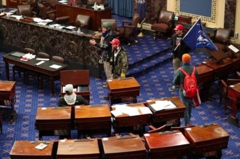 Penyerangan Gedung Capitol: 4 Tewas, 52 Orang Ditangkap
