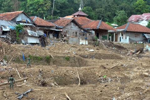 Bupati Bogor Ajukan 1.400 Huntap untuk Korban Longsor Sukajaya