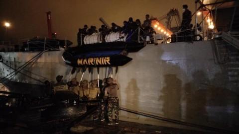 Pasukan Elite TNI AL Menyelam Cari Pesawat Sriwijaya Air