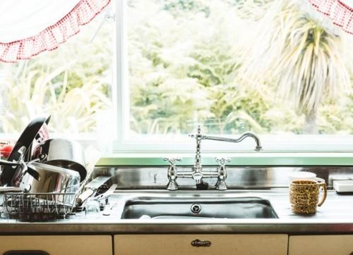 Berikut ini adalah beberapa hal yang sebaiknya tidak dibersihkan dengan sabun cuci piring. (Foto: Ilustrasi/Unsplash.com)
