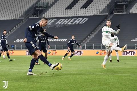 Juventus vs Sassuolo: Bianconeri Susah Payah Taklukkan 10 Pemain Sassuolo