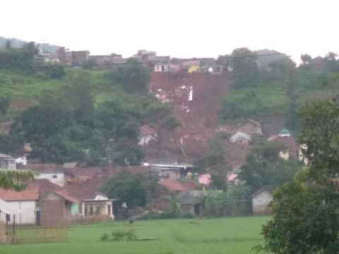 Polisi Dalami Izin Permukiman di Lahan Longsor Sumedang