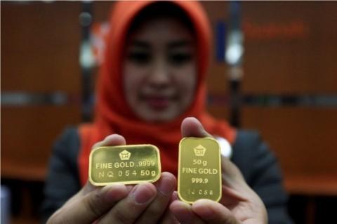 Awal Pekan, Harga Beli Kembali Emas Antam Turun Rp5.000/Gram