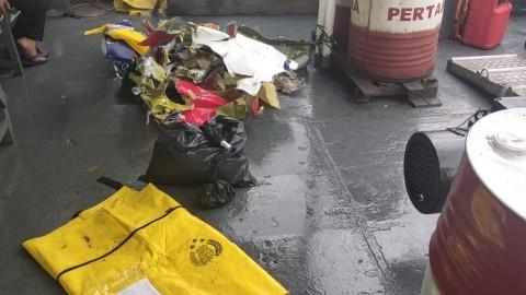 Polair Temukan Pecahan Dinding Pesawat Sriwijaya dan Korban