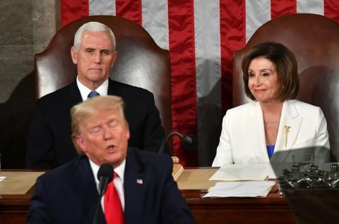 Pelosi Ultimatum Pence Gunakan Amandemen ke-25 terhadap Trump