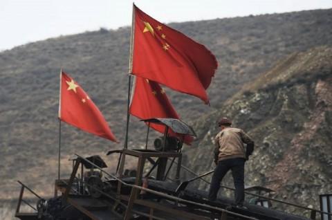 22 Pekerja Terperangkap dalam Tambang Emas yang Meledak di Tiongkok