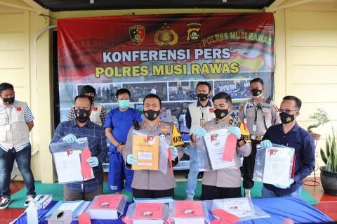 Tega! Kades di Musi Rawas Pakai Bansos Covid-19 untuk Sewa PSK dan Judi