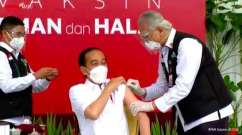 Seluruh Tahapan Vaksin ke Jokowi Tak Sampai 10 Menit