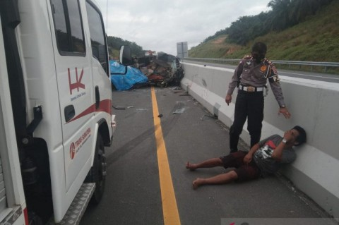 5 Tewas Akibat Kecelakaan di Tol Pekanbaru-Dumai