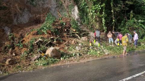 Jalan Lintas Kabupaten Bener Meriah-Aceh Utara Tertutup Longsor