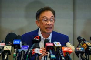 Populer Internasional: Anwar Minta Status Darurat Malaysia Dicabut Hingga Paus Fransiskus Divaksin