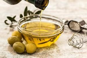 Manfaat Minyak Kelapa untuk Kesehatan Kulit