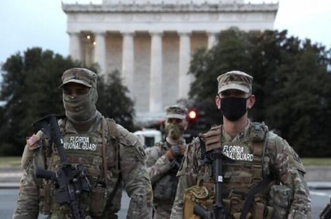 50 Negara Bagian AS Bersiap Hadapi Kemungkinan Protes Bersenjata