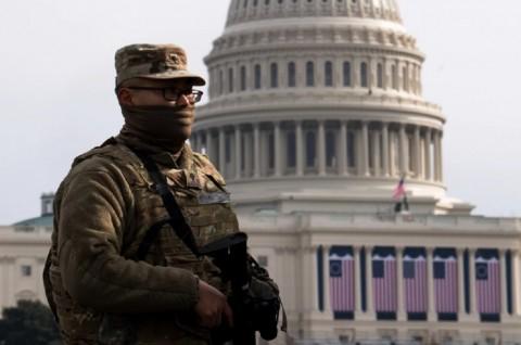 Pria Bersenjata Ditangkap saat Hendak Masuk ke Area Pelantikan Biden