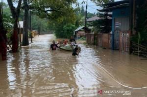 500 Warga di Kota Manado Mengungsi Akibat Banjir dan Longsor
