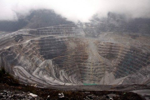 4 <i>Smelter</i> Dijadwalkan Beroperasi di 2021